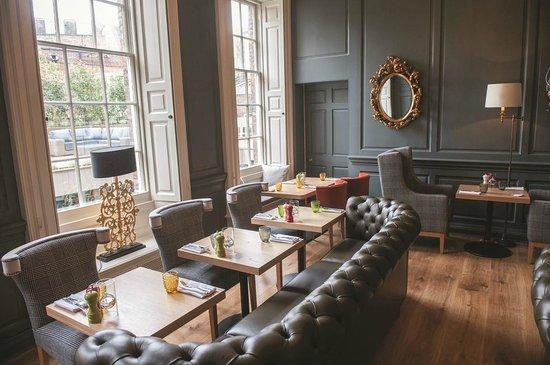 Cellar Bar: Restaurant & Bar
