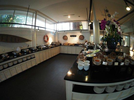 Lone Pine Hotel : The Bunglow - Buffet Breakfast