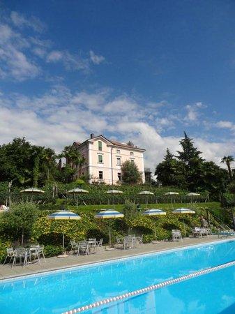 Continental Parkhotel: Área da piscina