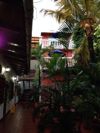 Hotel 3 Banderas: Hotel corridors