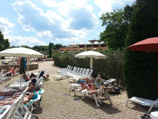 Norcenni Girasole Club : Piscina ingresso superiore...