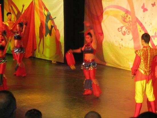 Otium Eco Club Side : Chinese acrobats - fabulous!