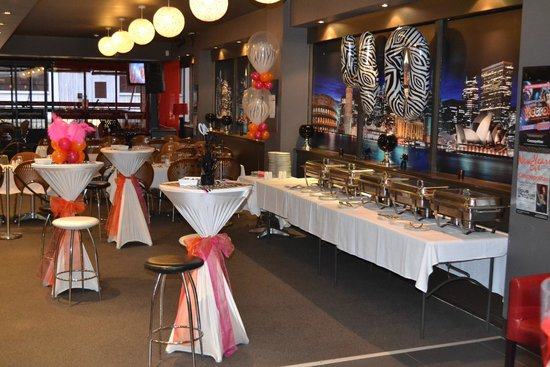 Cosmopolitan Bar & Restaurant