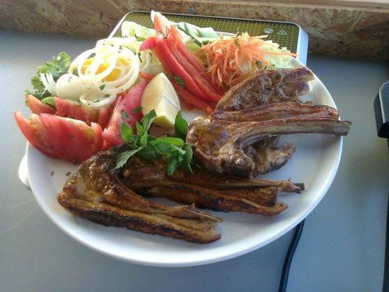 Aquarium Mediterranean Bar and Grill: Lamb Chops ? Proper Ones