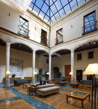 NH Collection Salamanca Palacio de Castellanos: Lobby