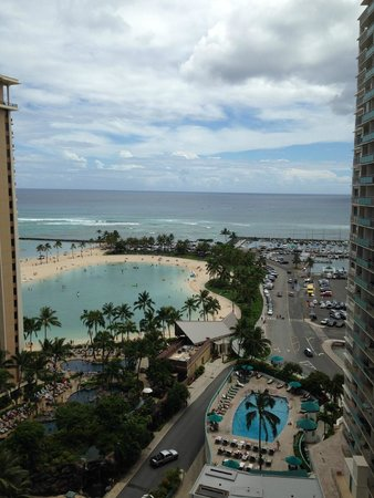 Ilikai Hotel & Luxury Suites: View from our Condo