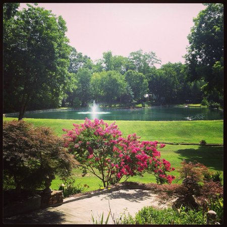Vampire Stalkers/Mystic Falls Tours-Vampire Diaries/Originals Tours: These gardens were simply stunning. Mr Ben was so friendly. How awesome that they allow access t