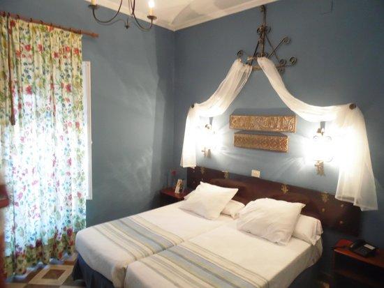 Hotel Abanico Sevilla: camera da letto
