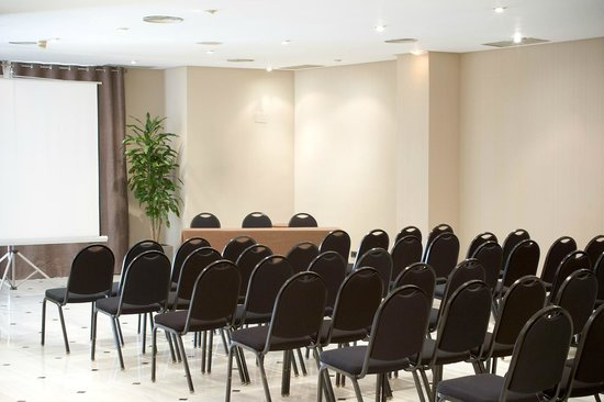 URH Ciutat de Mataro : MEETING ROOM