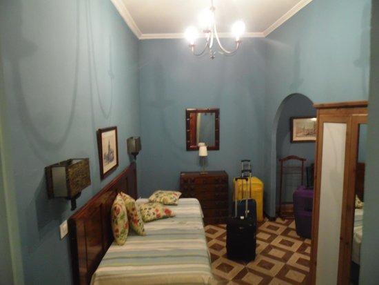 Hotel Abanico Sevilla: ingresso camera