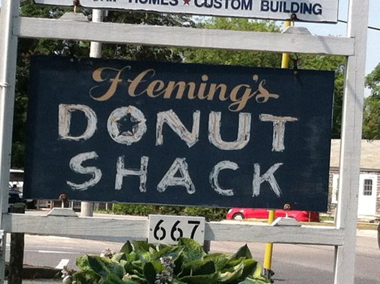 Donut Shack : Sign out front