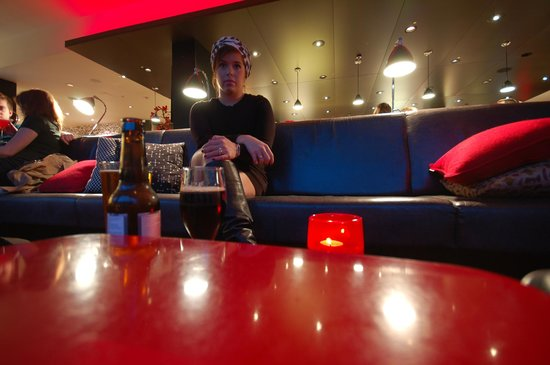 citizenM Glasgow: at the bar