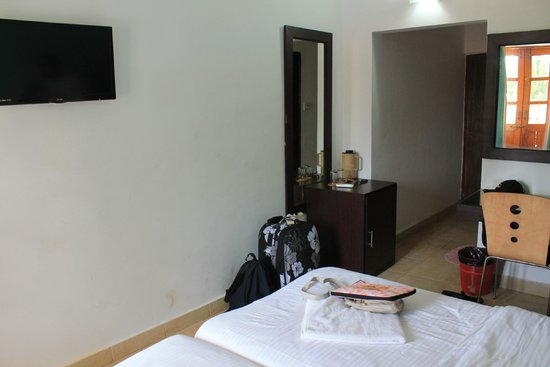 Silver Sands Holiday Village: Room