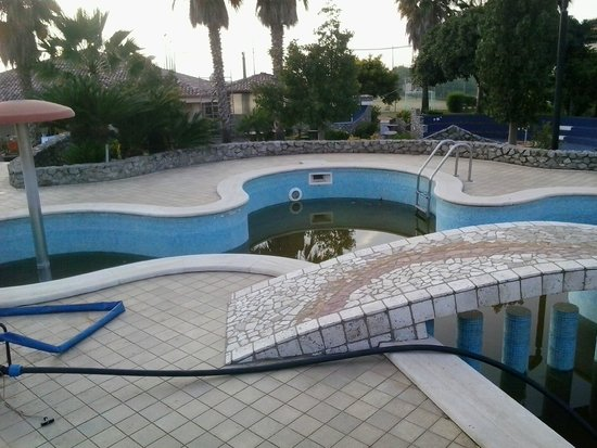 Hotel Ristorante Calabrisella: Piccola piscina