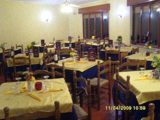Le Mimose di Falanga e Santamaria: sala interna con vista panoramica