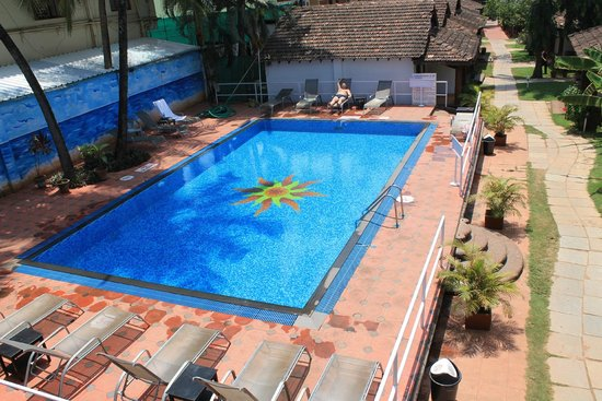 Silver Sands Holiday Village: Swimming pool