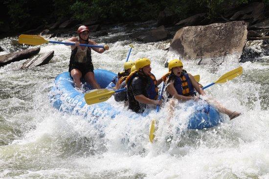 Ocoee Rafting: Riding the Bull!