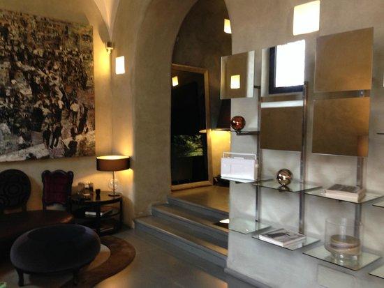 Residence Palazzo Al Velabro: hotel lobby