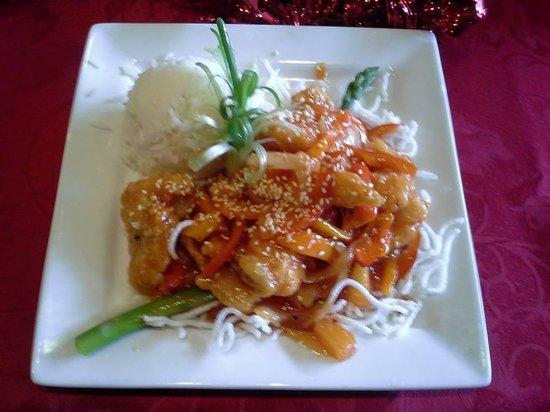 Golden Harvest Restaurant: Sweet and Sour Fish