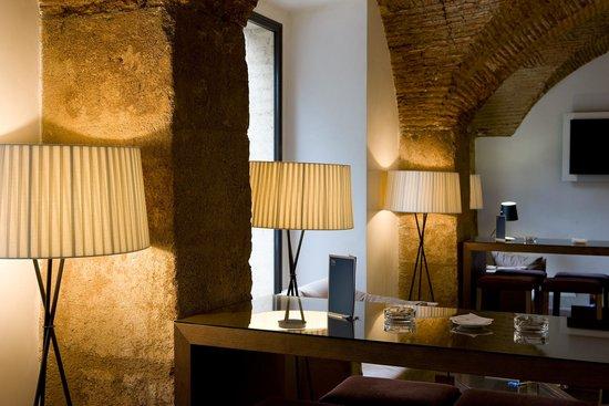 NH Collection Cáceres Palacio de Oquendo: Bar