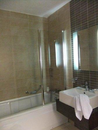 Rocca Nettuno suites : sdb