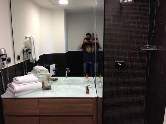Residence Palazzo Al Velabro : Bathroom again