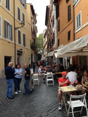 Residence Palazzo Al Velabro: Restaurants about 15 mins walk away