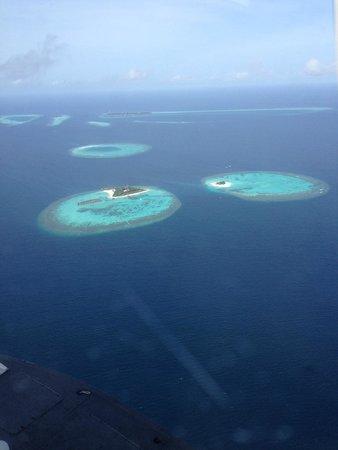 Maafushivaru: view from seaplane