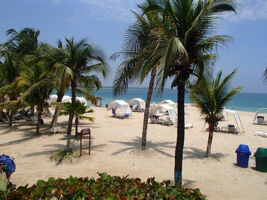 Decameron Baru: playa del hotel