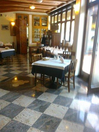 Cantina Battisti: Sala interna
