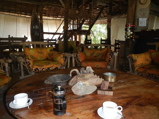 Shamba Kilole Eco Lodge : Morning coffe/tea is wonderful