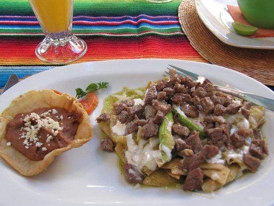 Orlando's Restaurante: Green Chilaquiles w/ delicious steak...