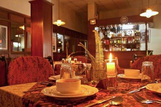 Mosa Court Suites : Resturant
