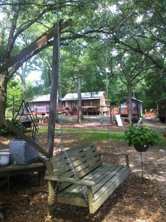 Bayou Cabins: Cabines