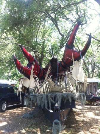 Bayou Cabins: Crawfish Géant
