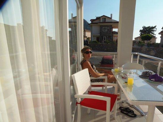 Orka Club Hotel & Villas : on the balconty