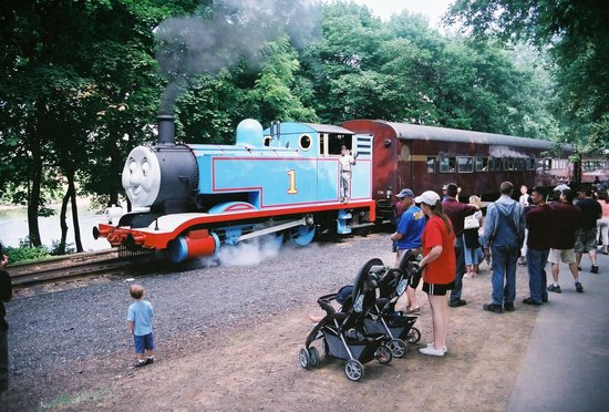 Delaware River Railroad Excursions: Here's the big guy...