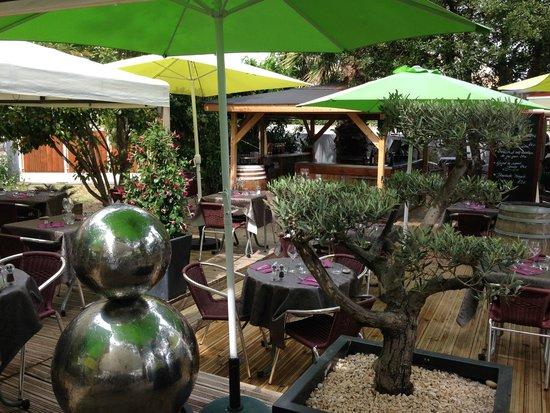 l 39 effet jardin restaurant lattes zdj cie cot sympa. Black Bedroom Furniture Sets. Home Design Ideas
