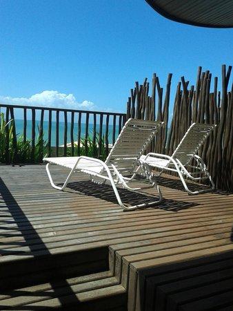 Rifoles Praia Hotel & Resort : Essas são as espreguiçadeira do deck na suíte master