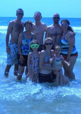 Dayton House Resort: family fun in the ocean