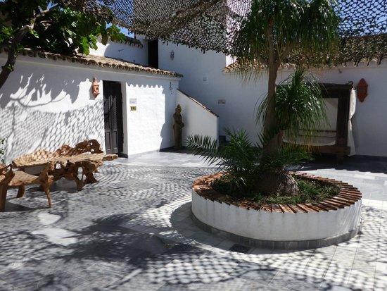 El Cortijo de Zahara: Patio Interior