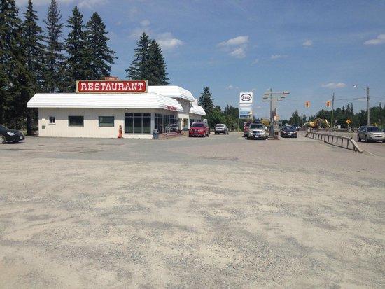 Englehart Esso Restaurant from a distance