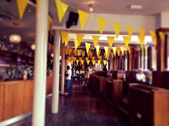 The Slug and Lettuce: Spacious and bright interior, decorated for the bike TDF race :)