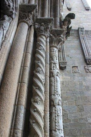 Cathédrale de Saint-Jacques-de-Compostelle : Capitals of the Cathedral