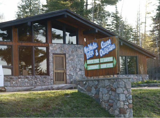 Nor'Wester Lodge and Canoe Outfitters : General Store at Nor'Wester Lodge
