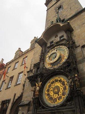 Hôtel de ville de la Vieille ville et l'horloge astronomique : Ornate workmanship