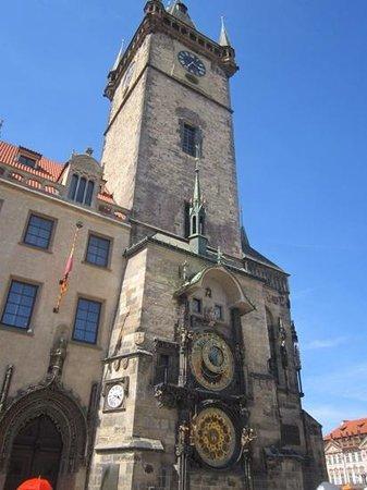 Hôtel de ville de la Vieille ville et l'horloge astronomique : Clock and tower