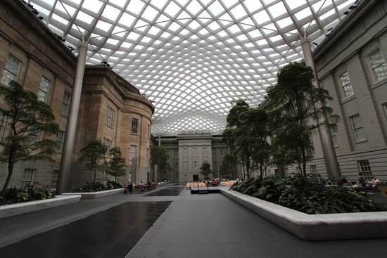 Smithsonian American Art Museum: The Atrium