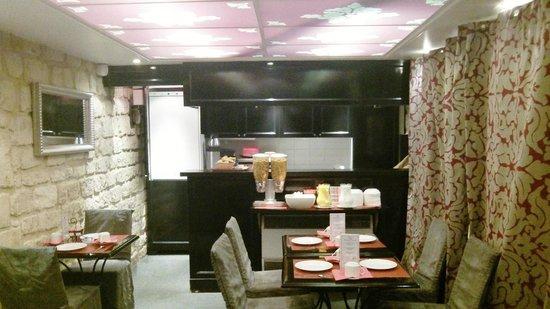 Hotel Etoile Trocadero: café da manhã