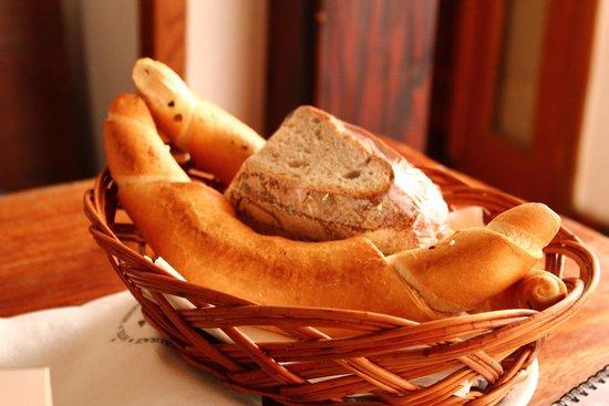 U Medvidku: хлеб к обеденному столу (не пригождается)